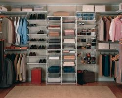 Elfa kastinrichting walk-in-closet
