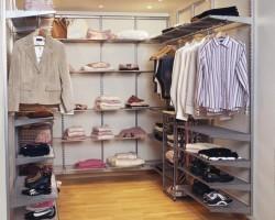 Elfa walk-in-closet
