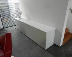 Nube tv-meubel met verzinkbare tv ruimte dicht